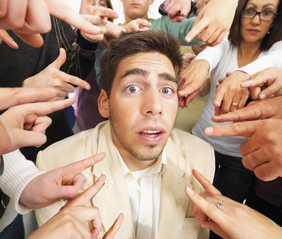 Окулесика: как меняется поведение глаз человека во время разговора — тестостерон