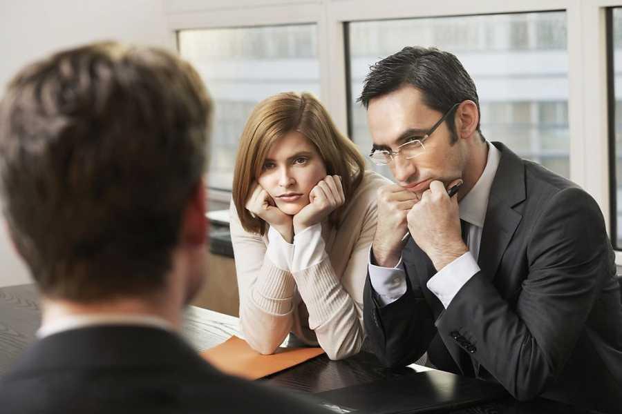 8 упражнений, которые научат вас смотреть собеседнику в глаза при разговоре