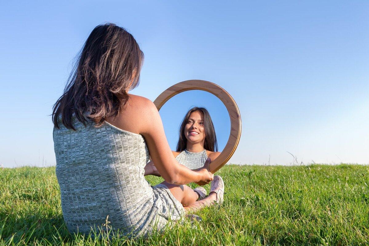Как научиться не отводить взгляд и смотреть людям в глаза